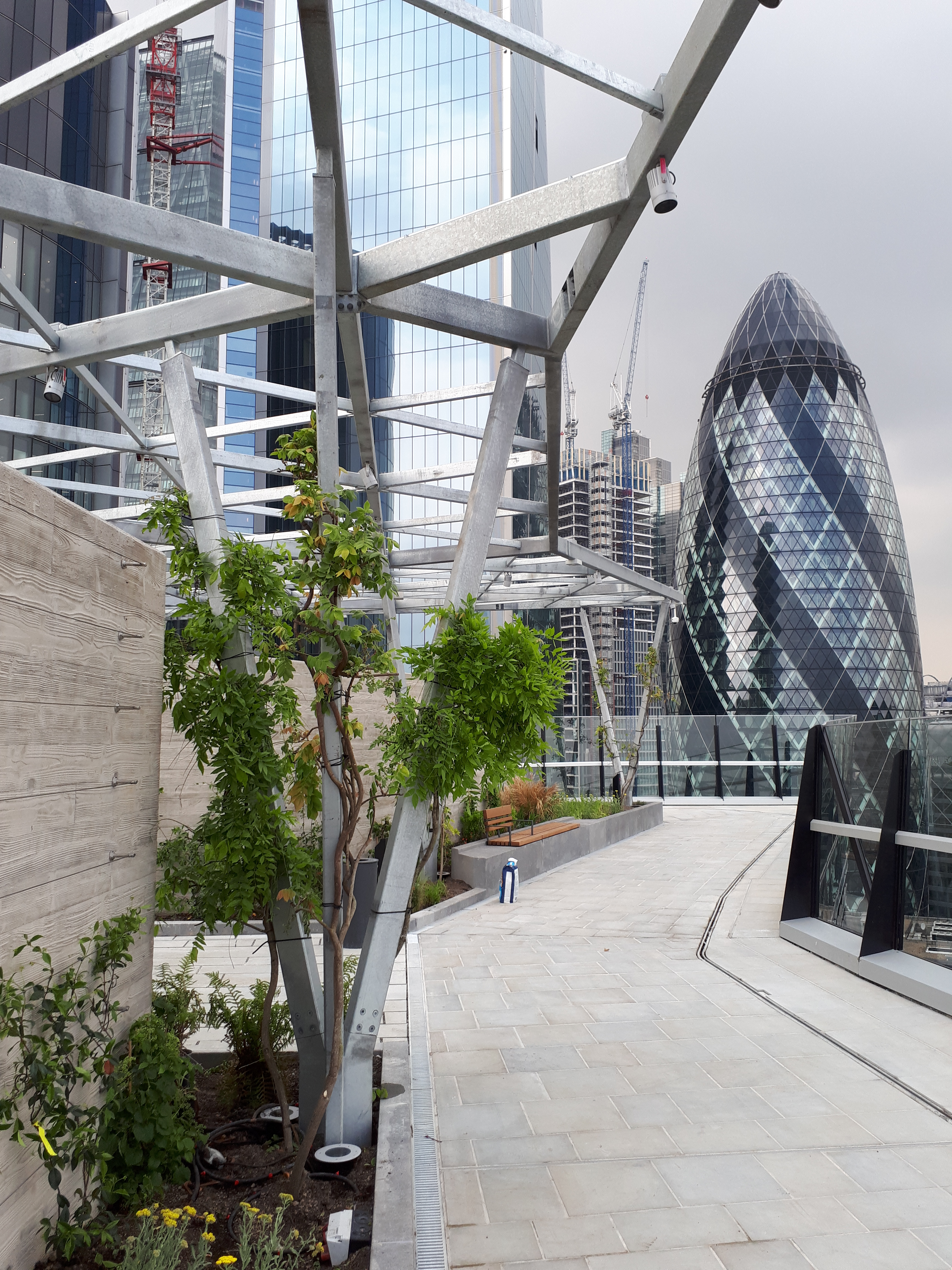 10 Fenchurch Avenue roof garden opens - LUC ...